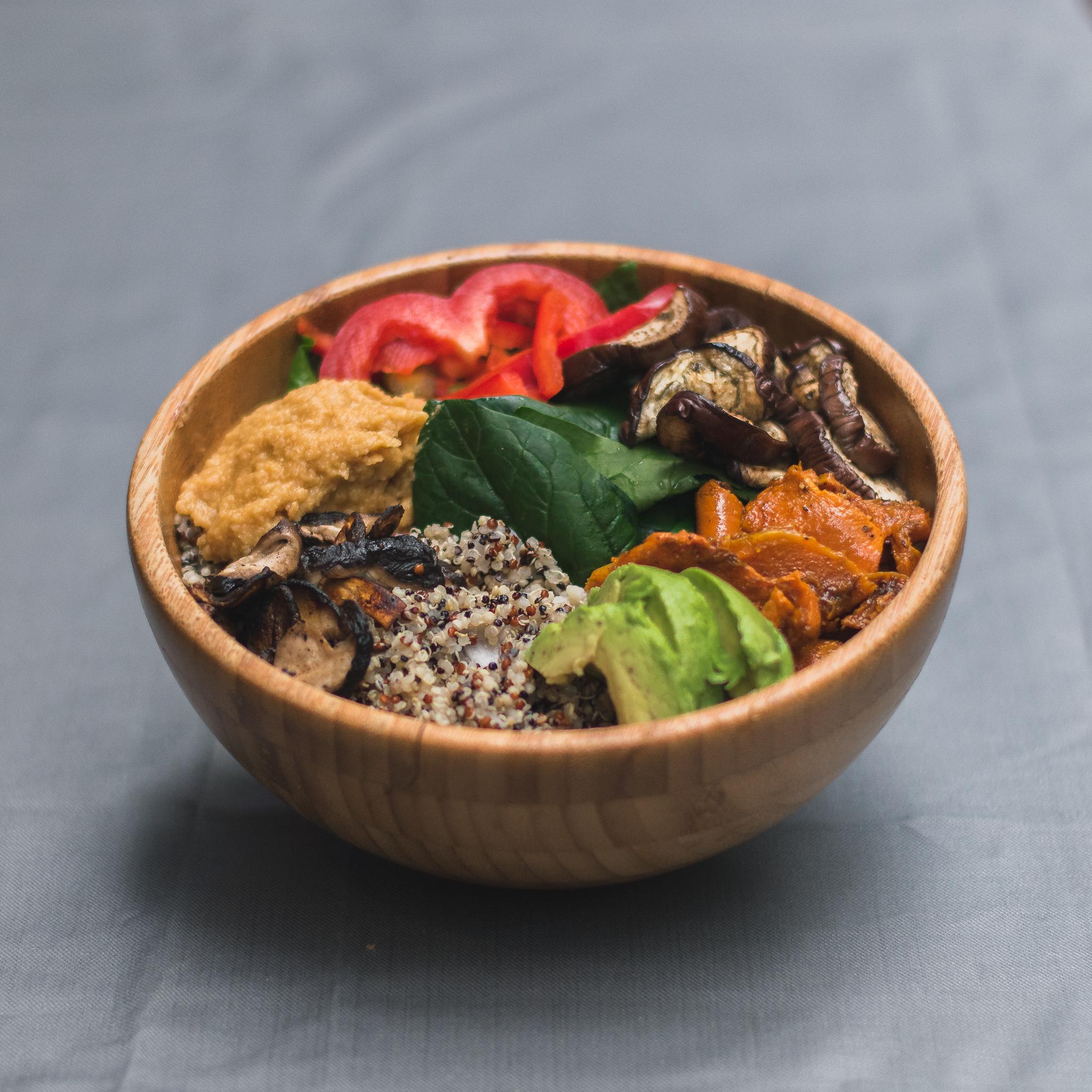 Veggie bomb, baby spinach, hummus, red pepper, eggplant, pumpkin, quinoa & avocado