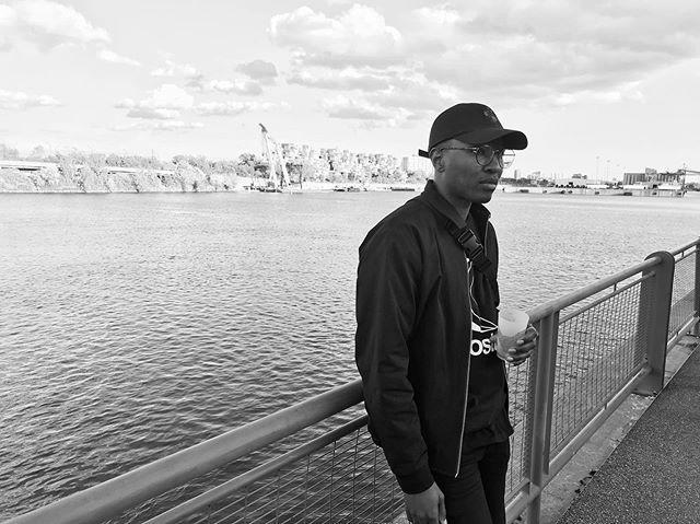 Sur le rivage. 🌊 •⠀⠀⠀⠀⠀⠀⠀⠀⠀ •⠀⠀⠀⠀⠀⠀⠀⠀⠀ •⠀⠀⠀⠀⠀⠀⠀⠀⠀ 📸 @_alexandrefortin
