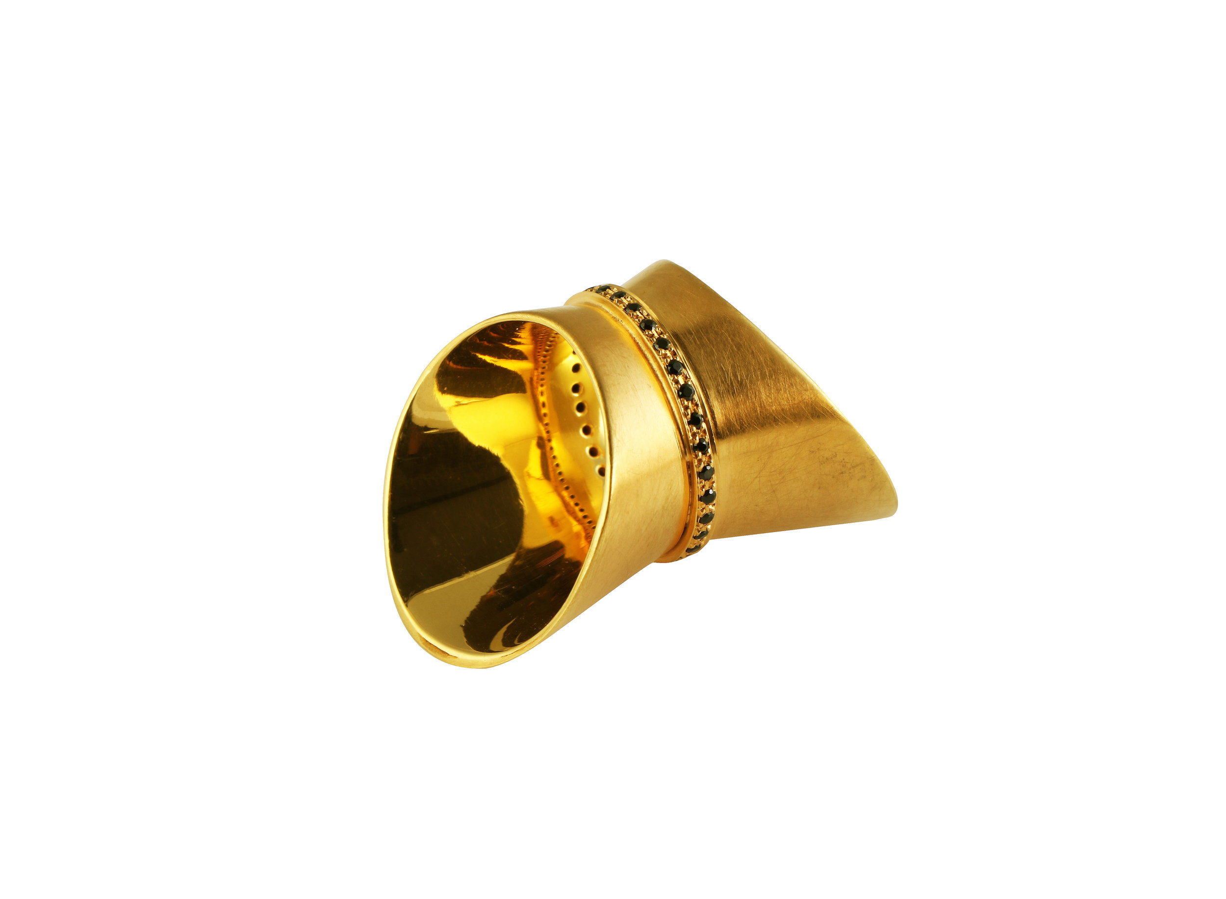 wing ring set with black spinel