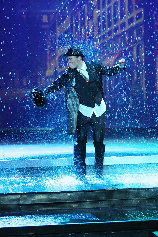 Act 1 Scene 14 – Singin' in the Rain