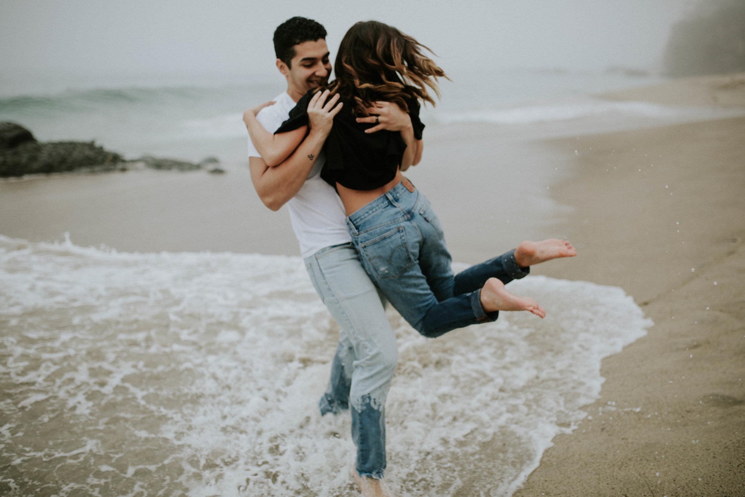 Sarah&EJ--Beach-42.jpg
