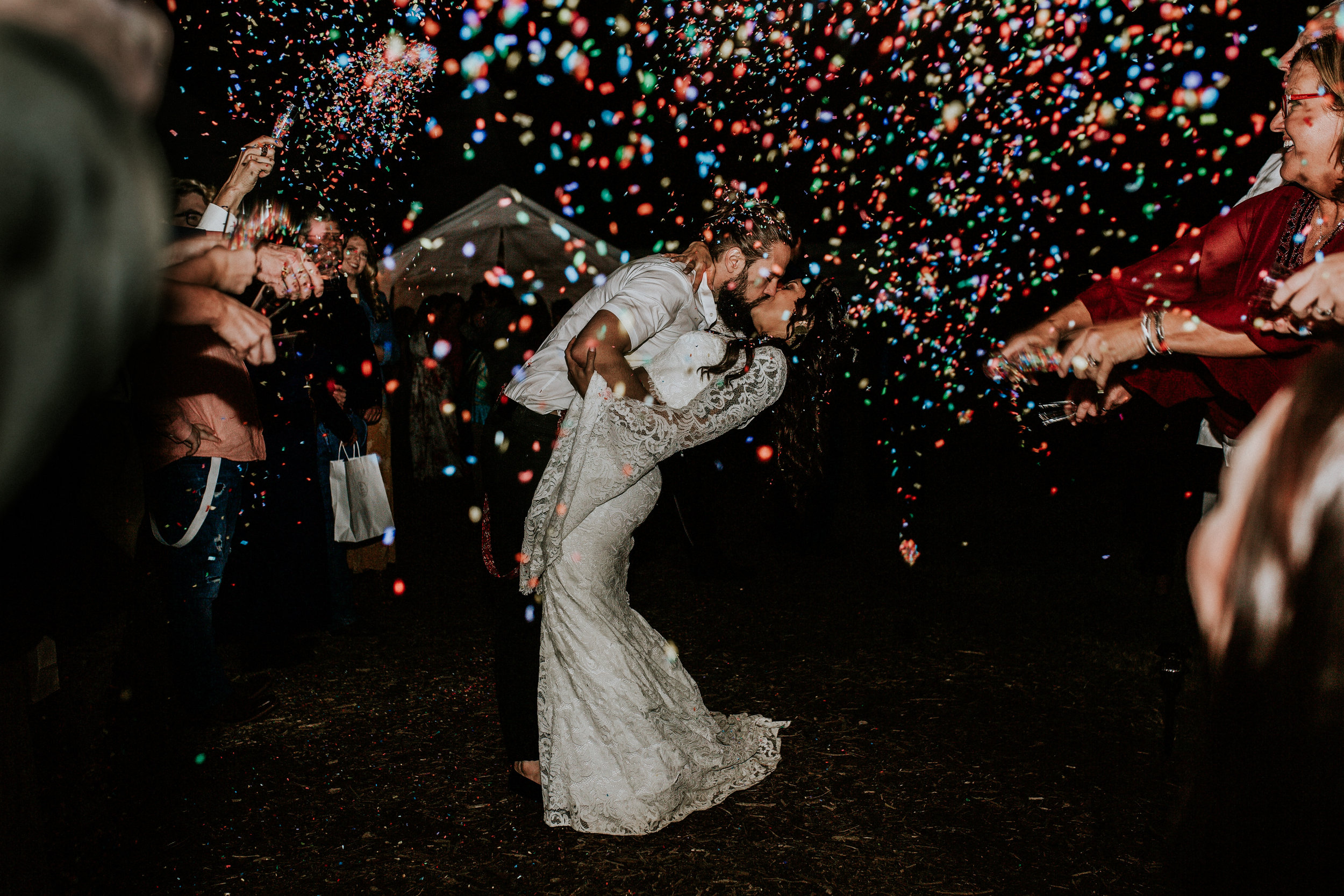 boho-texas-wedding-photographer-confetti-grand-exit