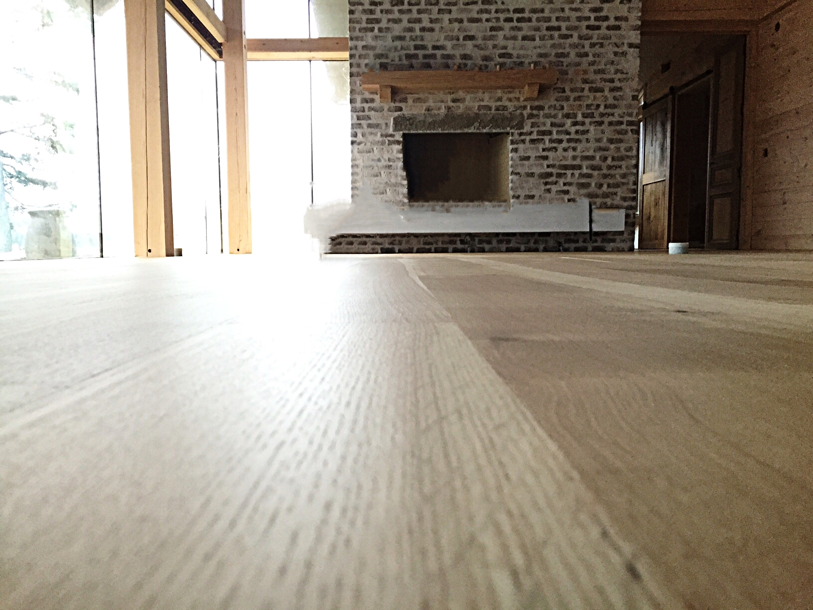 Eutree Forest Free white oak hardwood wide plank quartersawn flooring