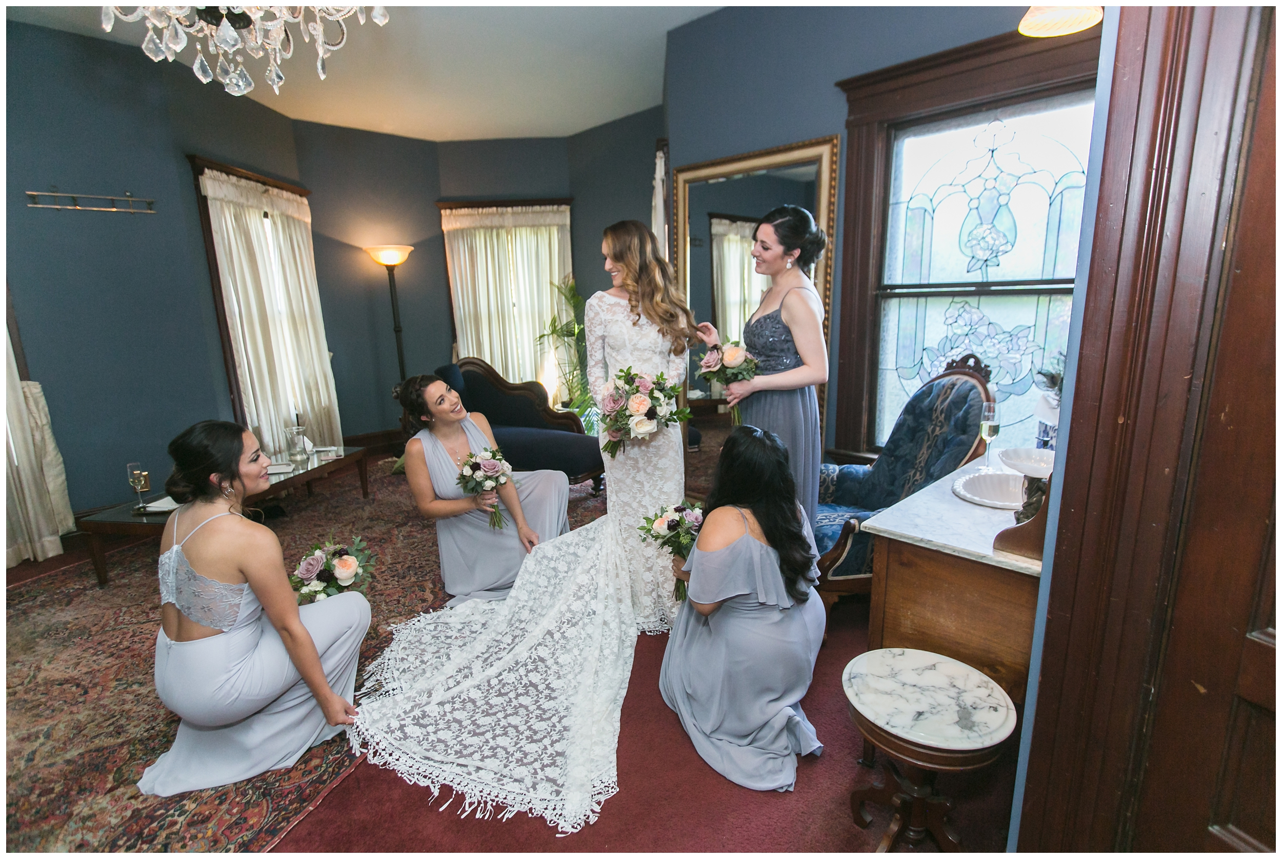 chic-christmas-house-wedding-getting-ready-carrie-vines-_0013.jpg