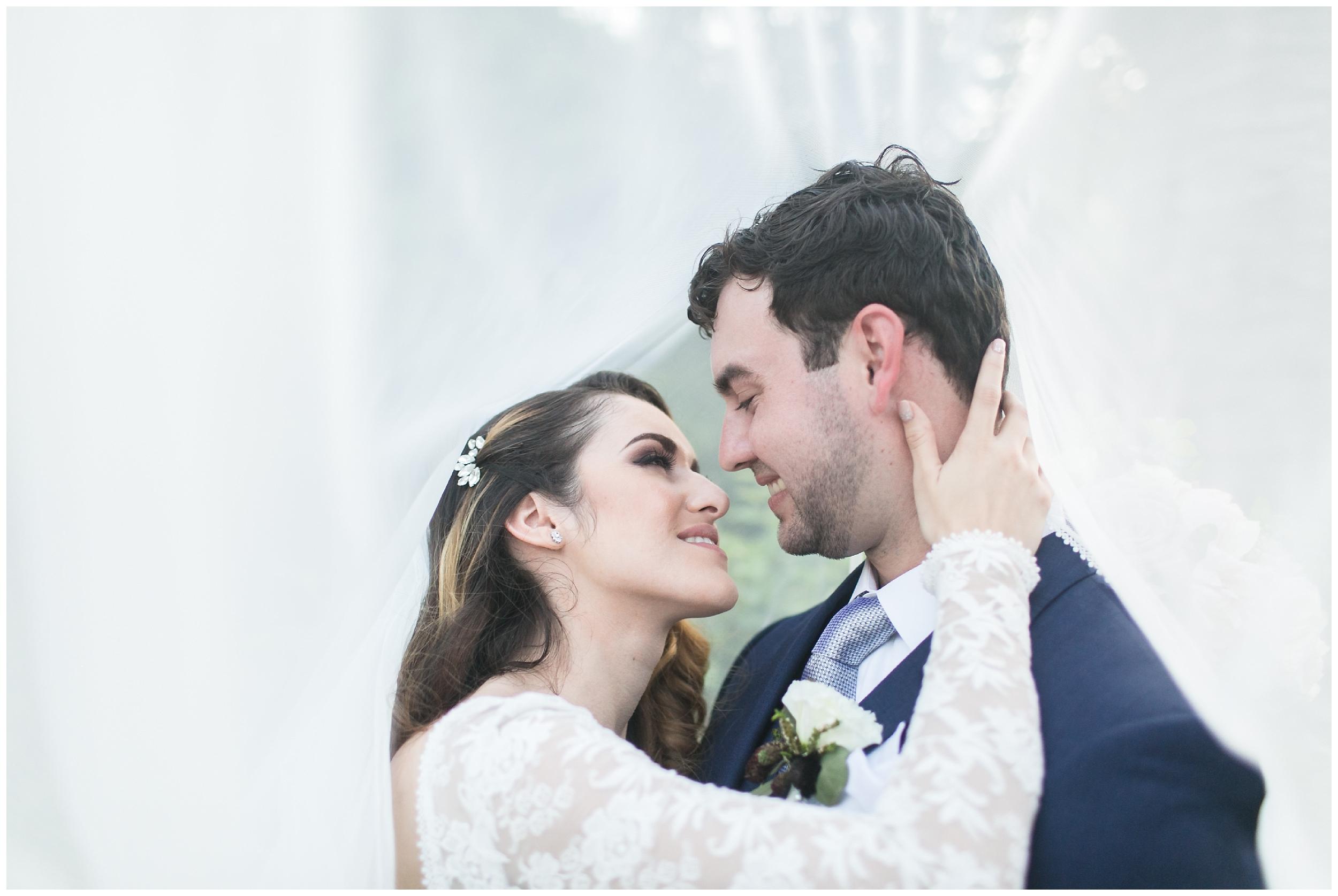 chic-christmas-house-wedding-bride-groom-portraits-carrie-vines-055.jpg