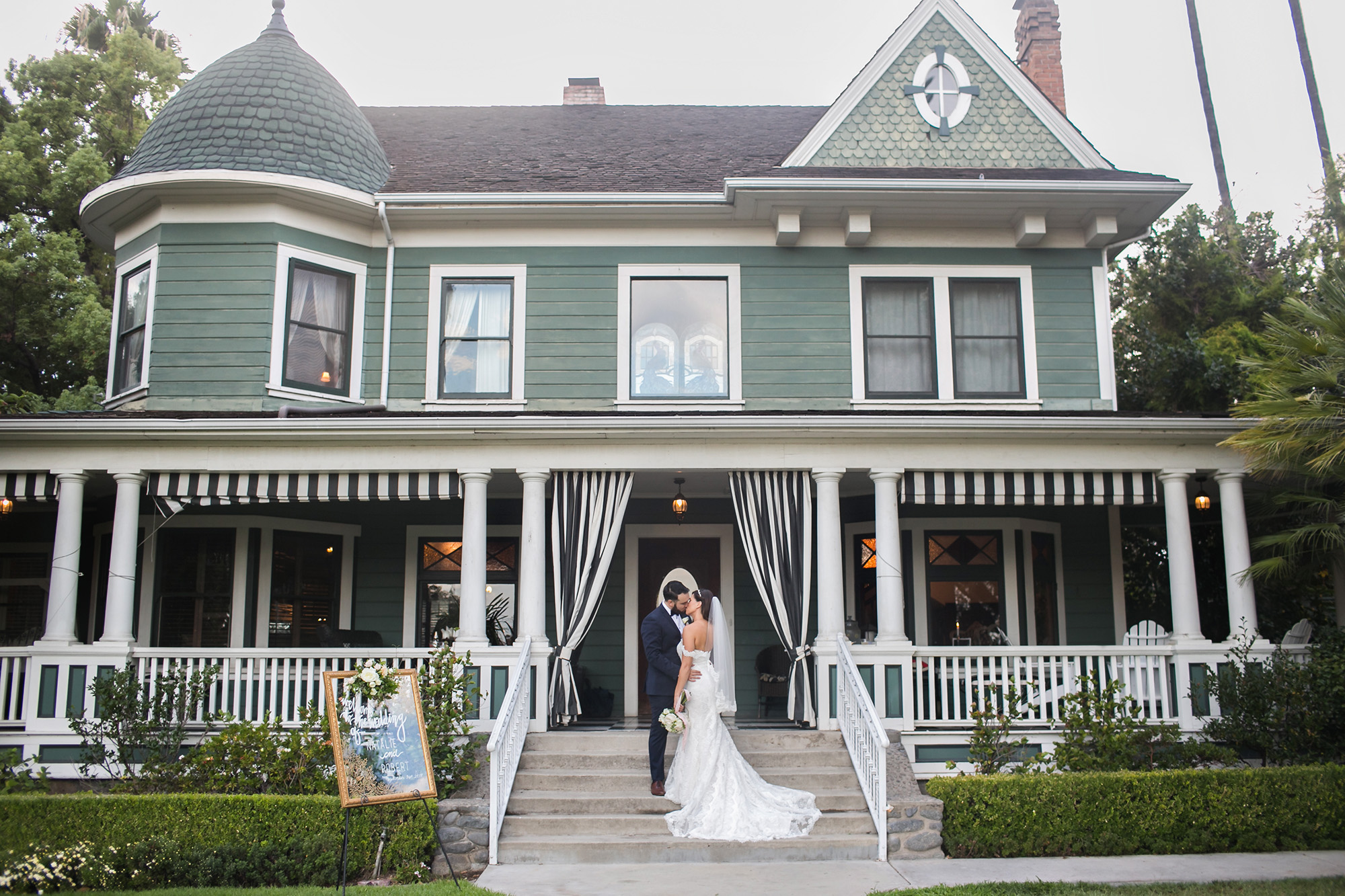 christmas-house-weddings-receptions-carrie-vines-114.jpg
