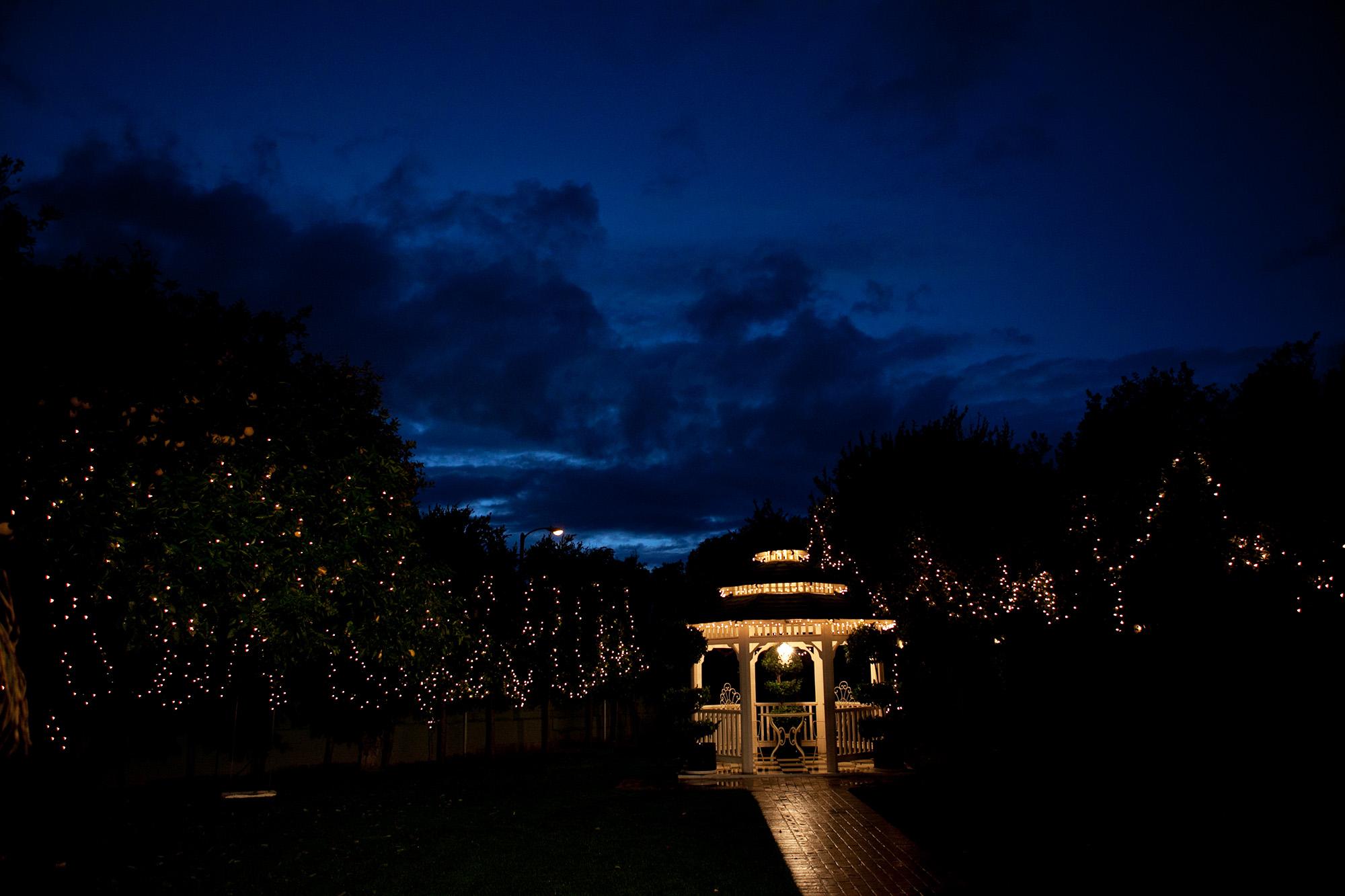 christmas-house-weddings-receptions-carrie-vines-240.jpg