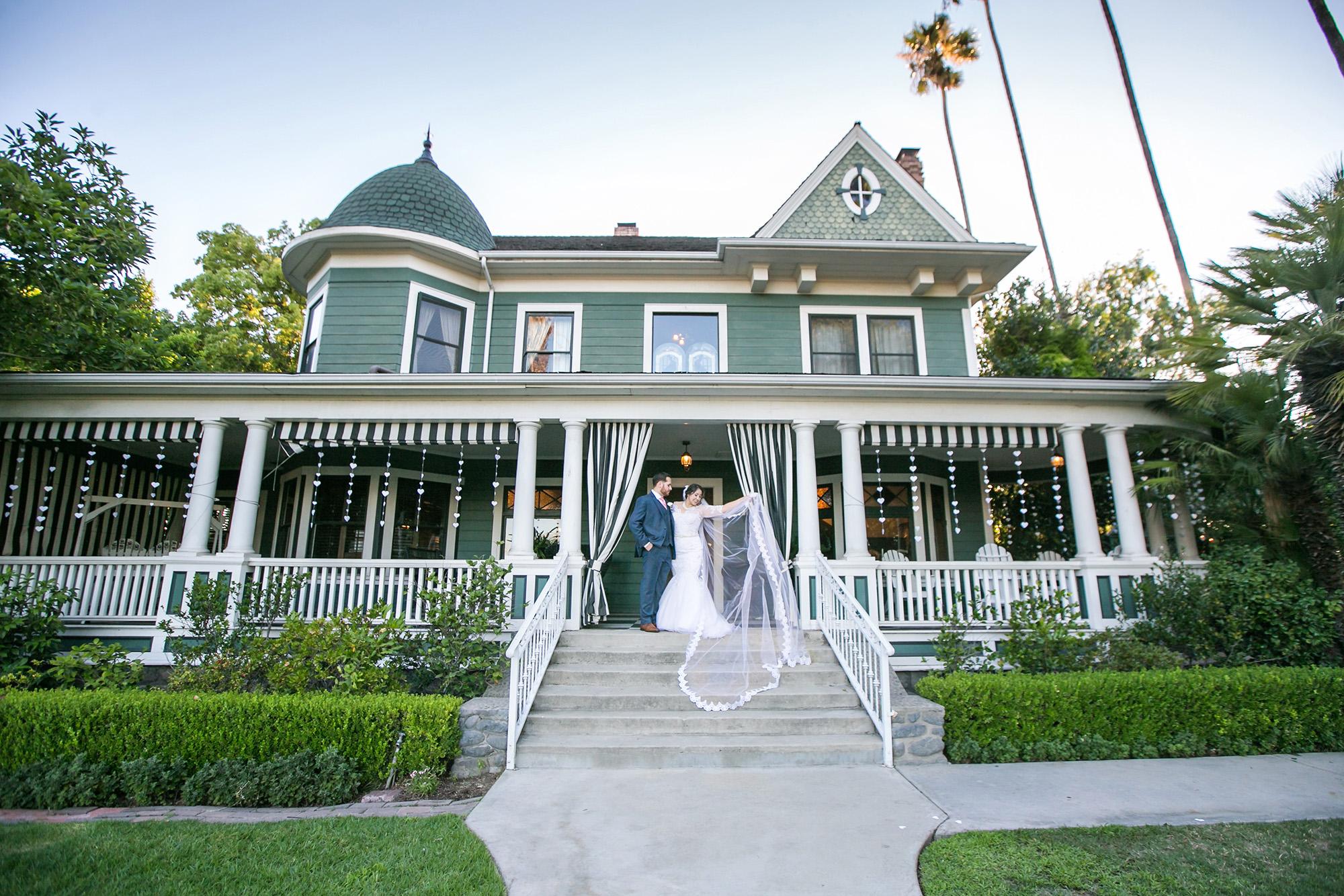 christmas-house-weddings-receptions-carrie-vines-272.jpg