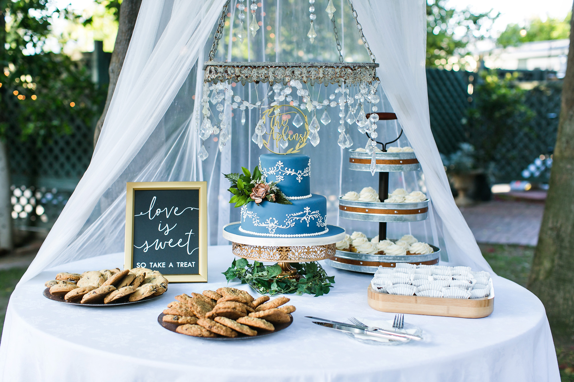 adventure-themed-Christmas-House-wedding-carrie-vines-158.jpg