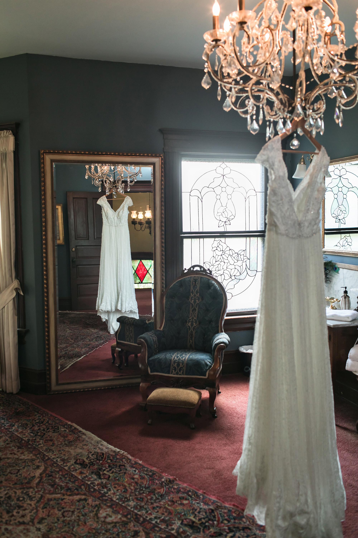 vintage-inspired-christmas-house-wedding-carrie-vines-020.jpg