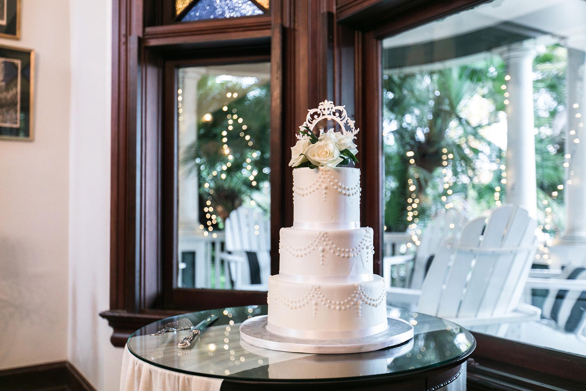 vintage-inspired-christmas-house-wedding-carrie-vines-075.jpg