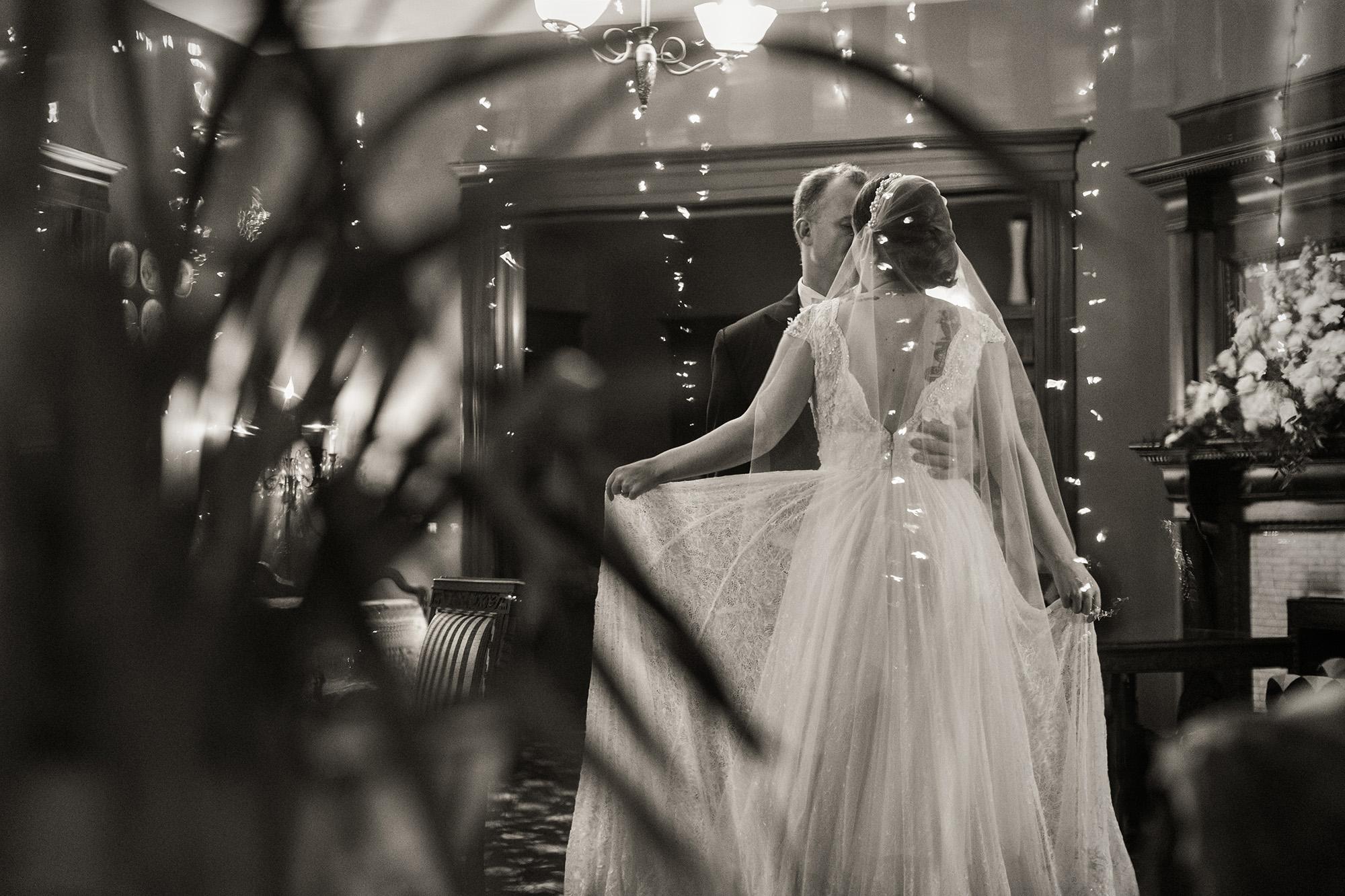 vintage-inspired-christmas-house-wedding-carrie-vines-119.jpg