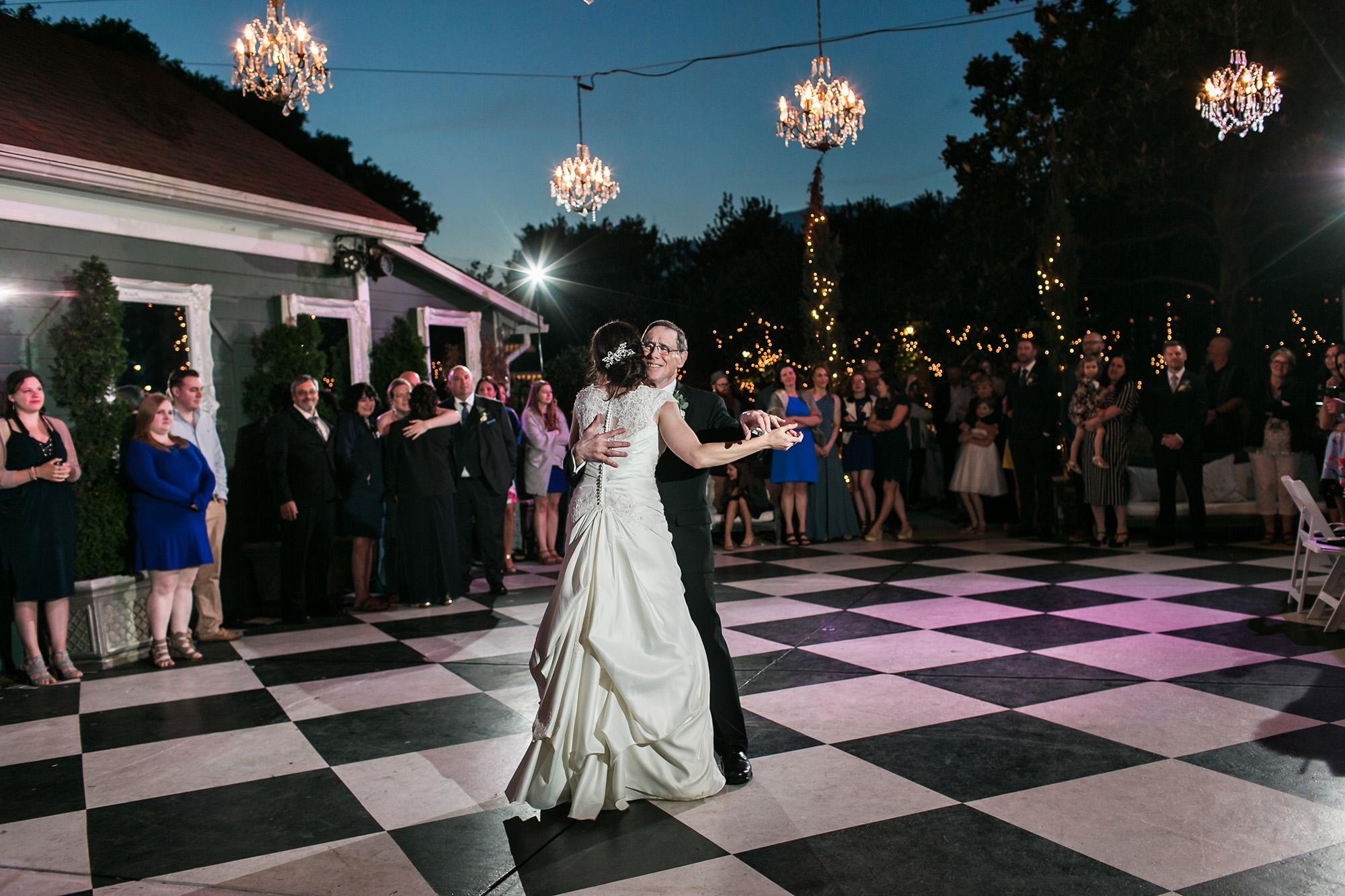 associate-photographer-christmas-house-wedding-carrie-vines-0009.jpg