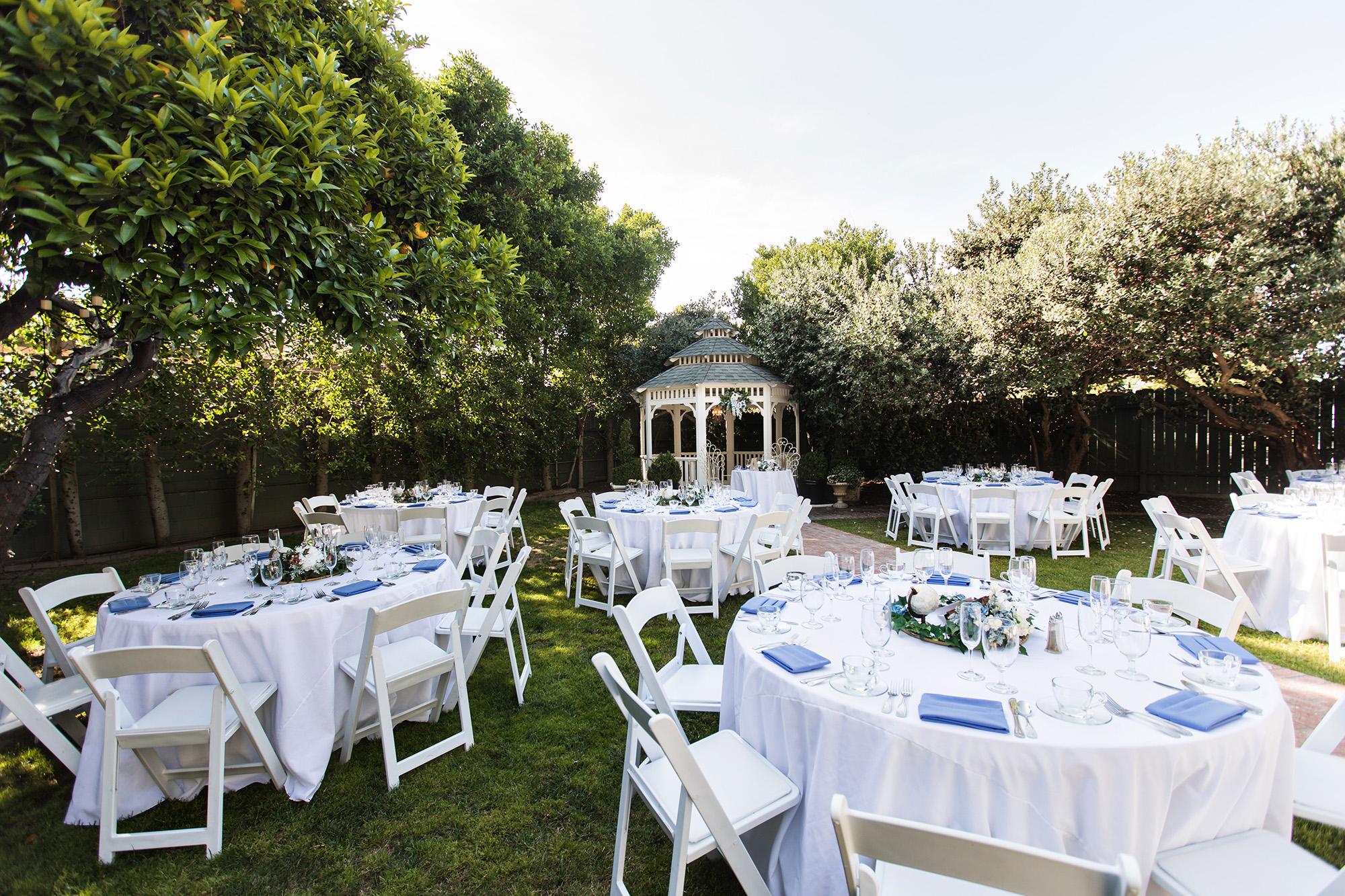 associate-photographer-christmas-house-wedding-carrie-vines-0010.jpg