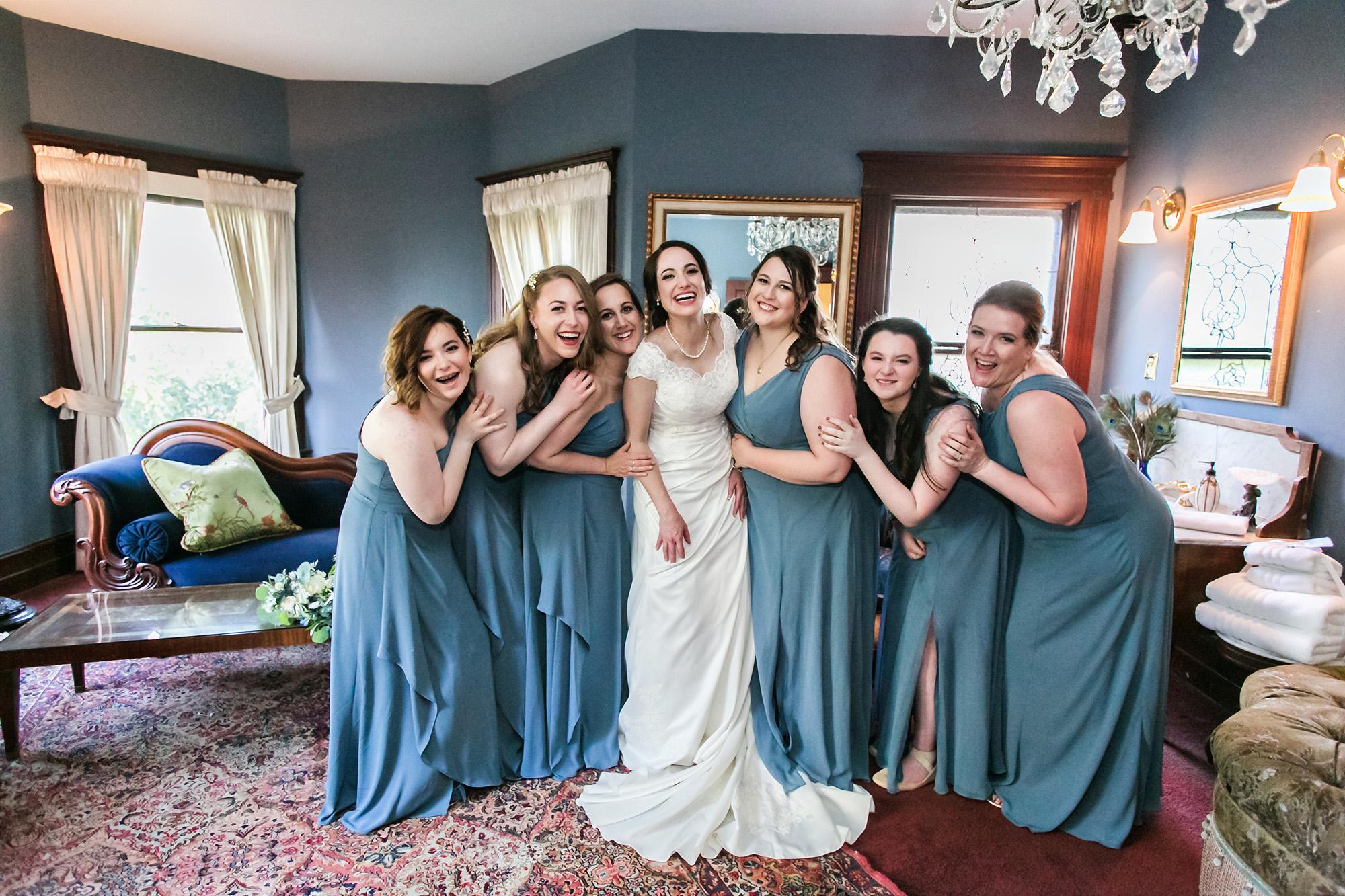 associate-photographer-christmas-house-wedding-carrie-vines-0011.jpg
