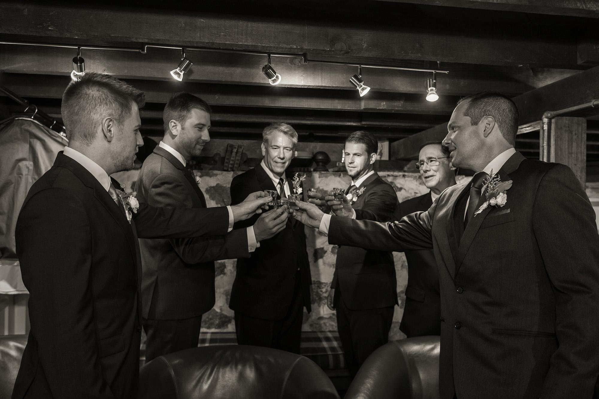 associate-photographer-christmas-house-wedding-carrie-vines-0019.jpg