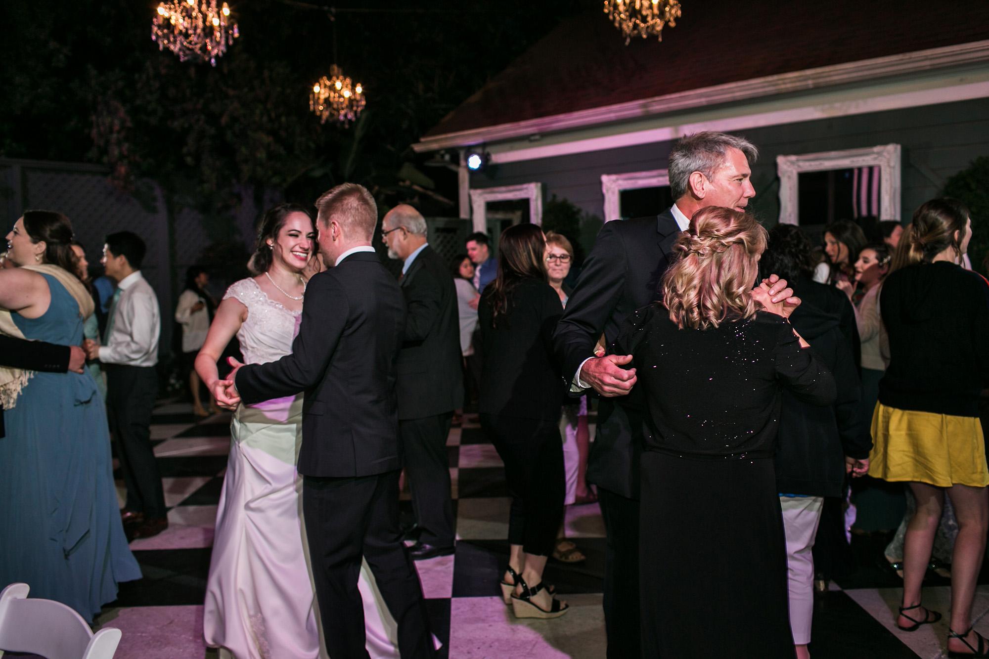 associate-photographer-christmas-house-wedding-carrie-vines-0028.jpg
