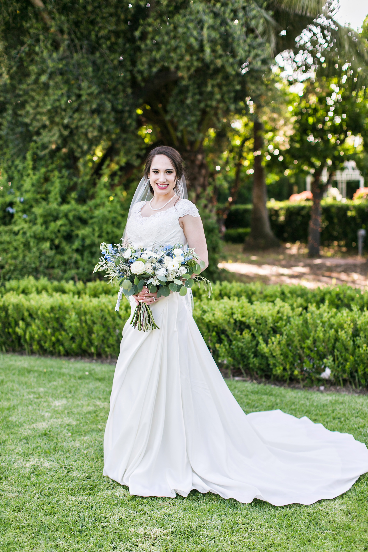 associate-photographer-christmas-house-wedding-carrie-vines-0035.jpg