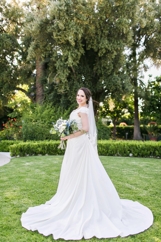 associate-photographer-christmas-house-wedding-carrie-vines-0048.jpg