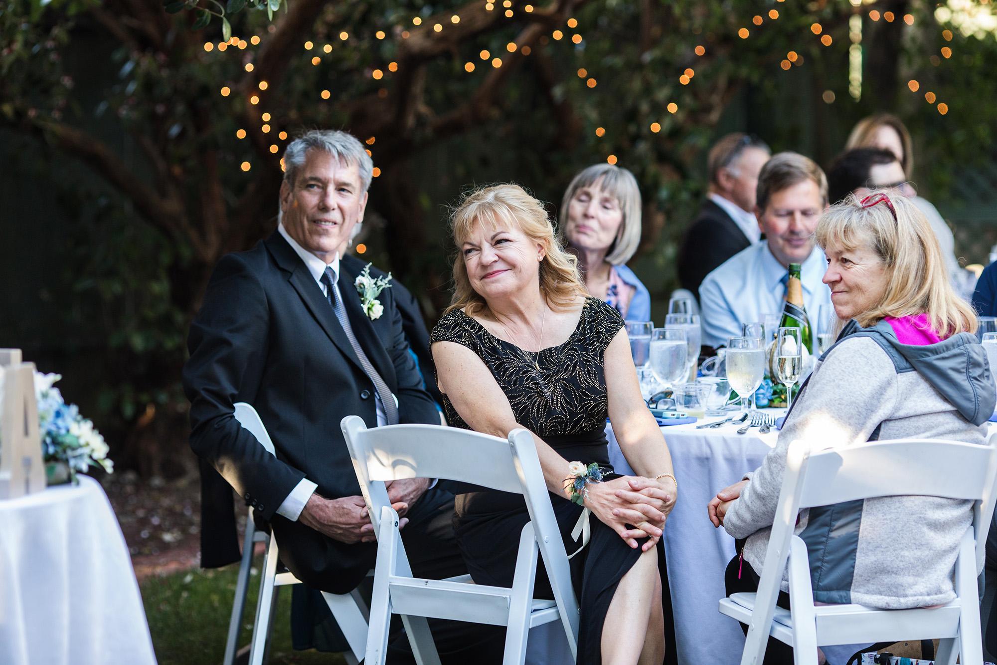 associate-photographer-christmas-house-wedding-carrie-vines-0054.jpg