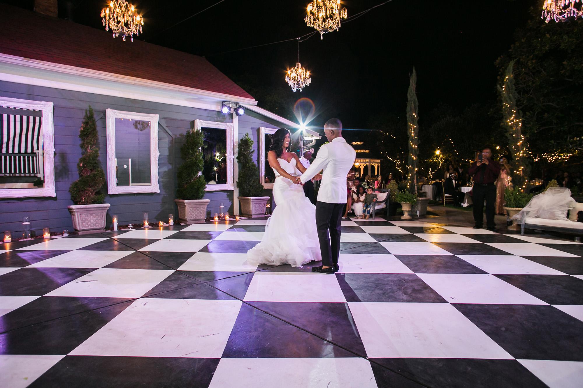associate-photographer-christmas-house-wedding-carrie-vines-0081.jpg