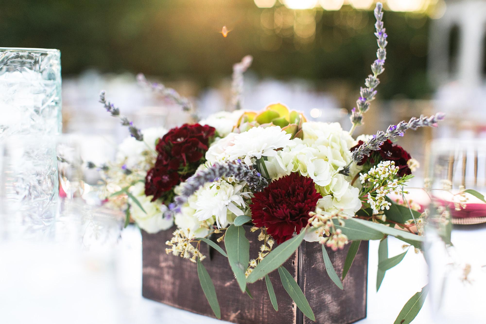 associate-photographer-christmas-house-wedding-carrie-vines-0084.jpg