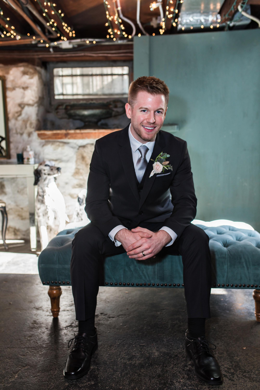 associate-photographer-christmas-house-wedding-carrie-vines-0104.jpg