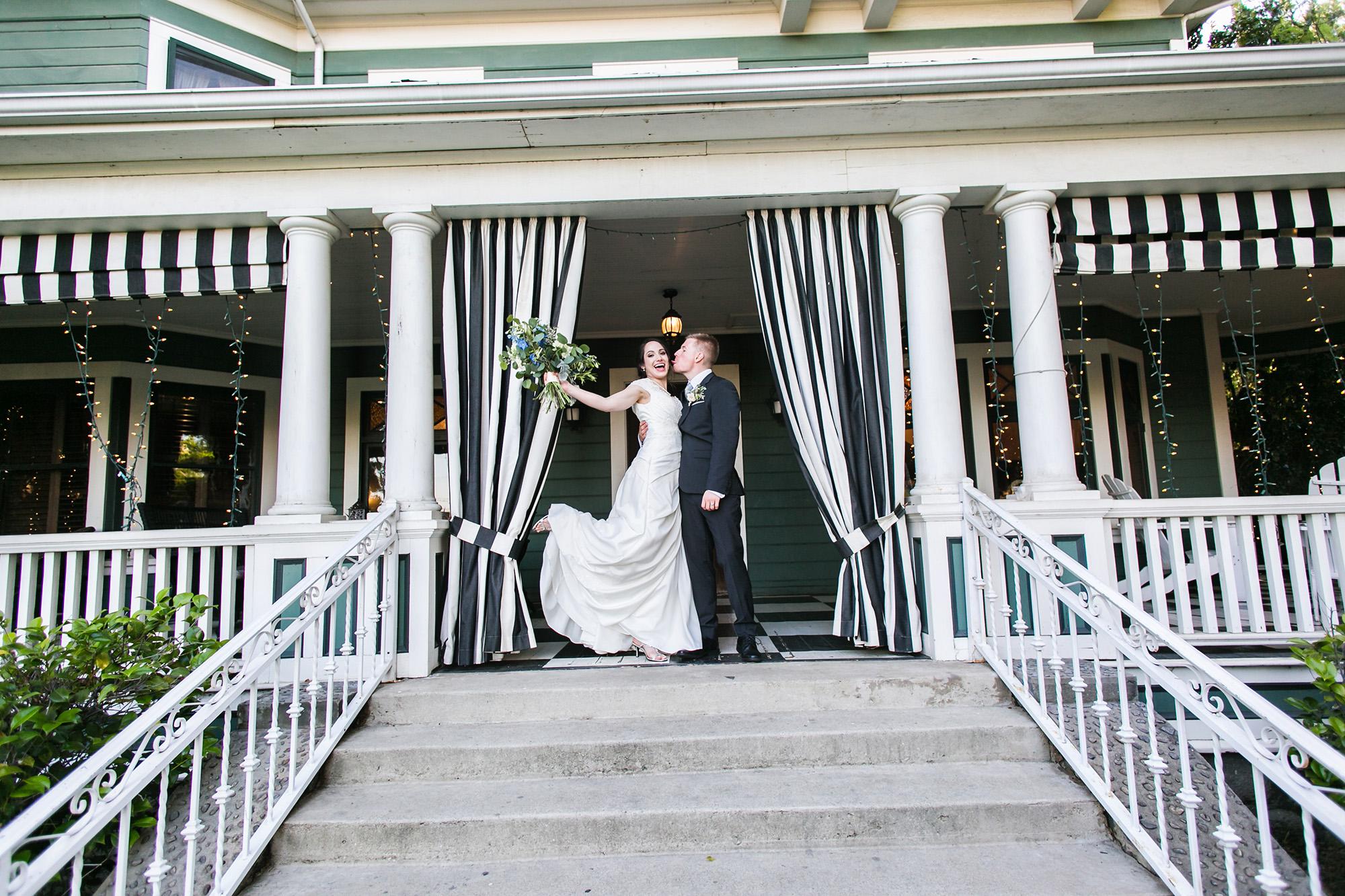 associate-photographer-christmas-house-wedding-carrie-vines-0106.jpg