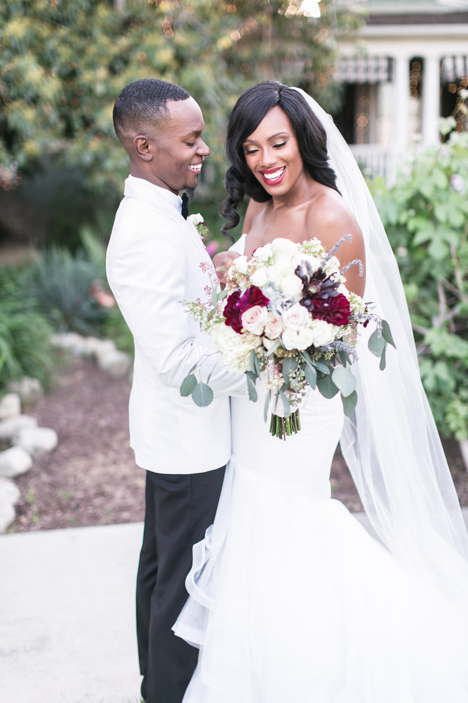 associate-photographer-christmas-house-wedding-carrie-vines-0109.jpg