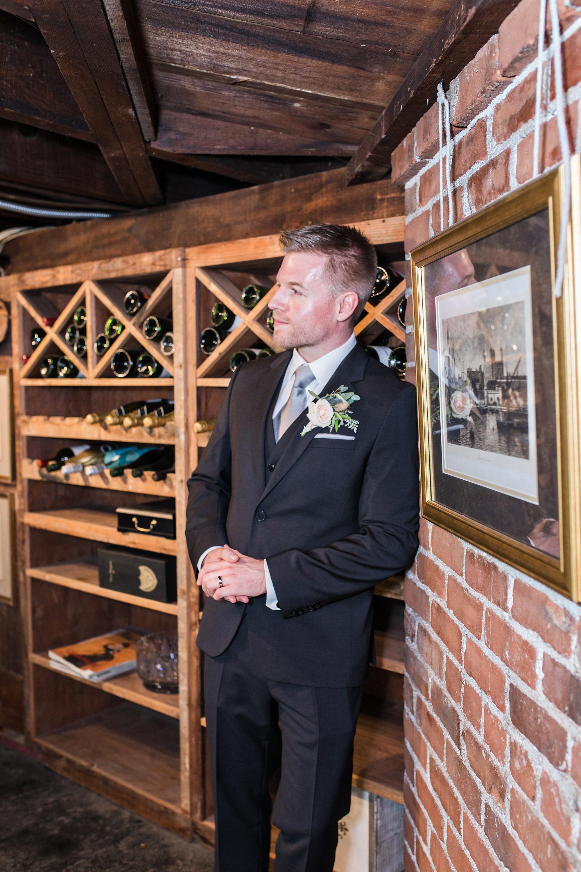 associate-photographer-christmas-house-wedding-carrie-vines-0121.jpg