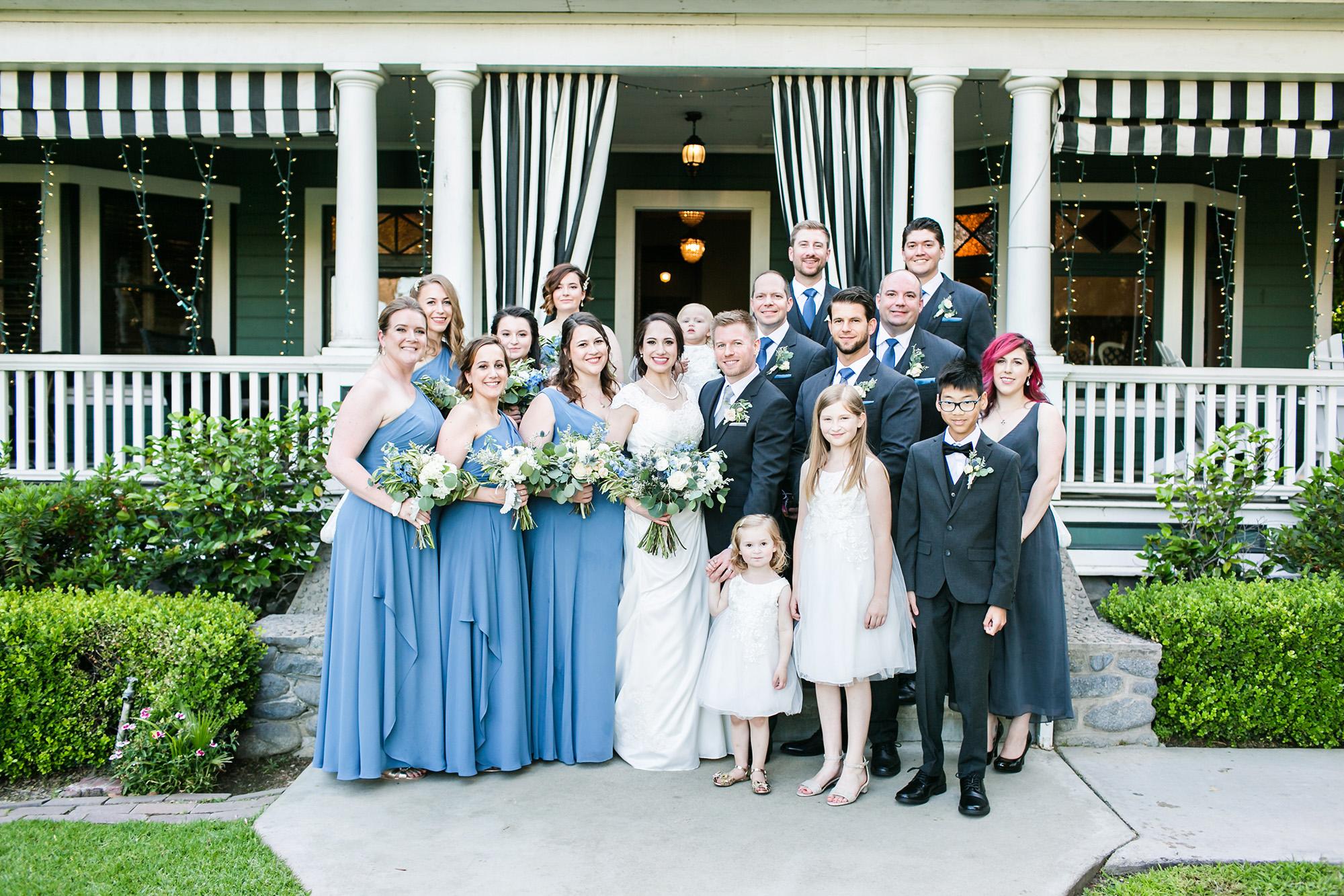 associate-photographer-christmas-house-wedding-carrie-vines-0134.jpg