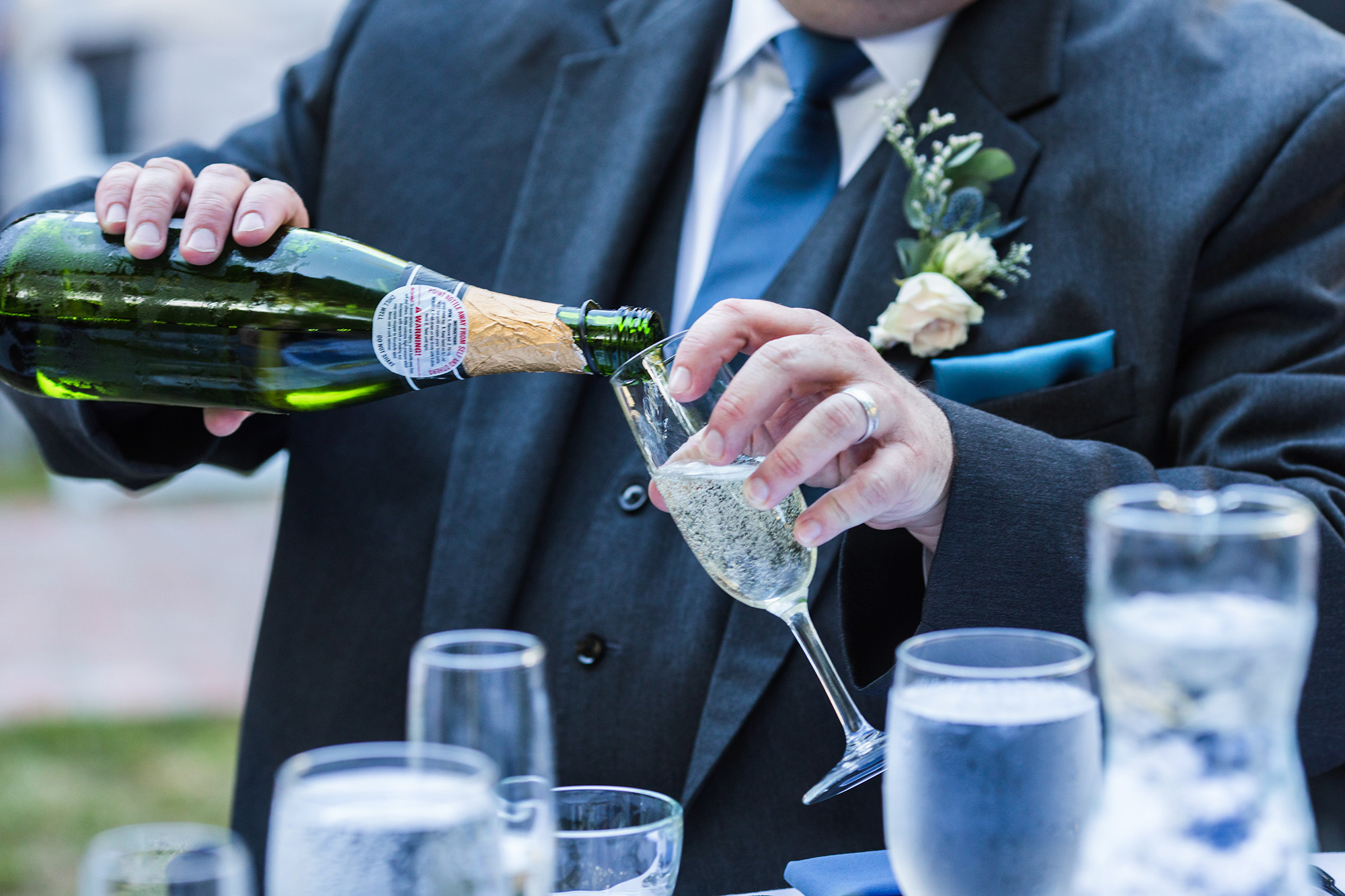 associate-photographer-christmas-house-wedding-carrie-vines-0139.jpg