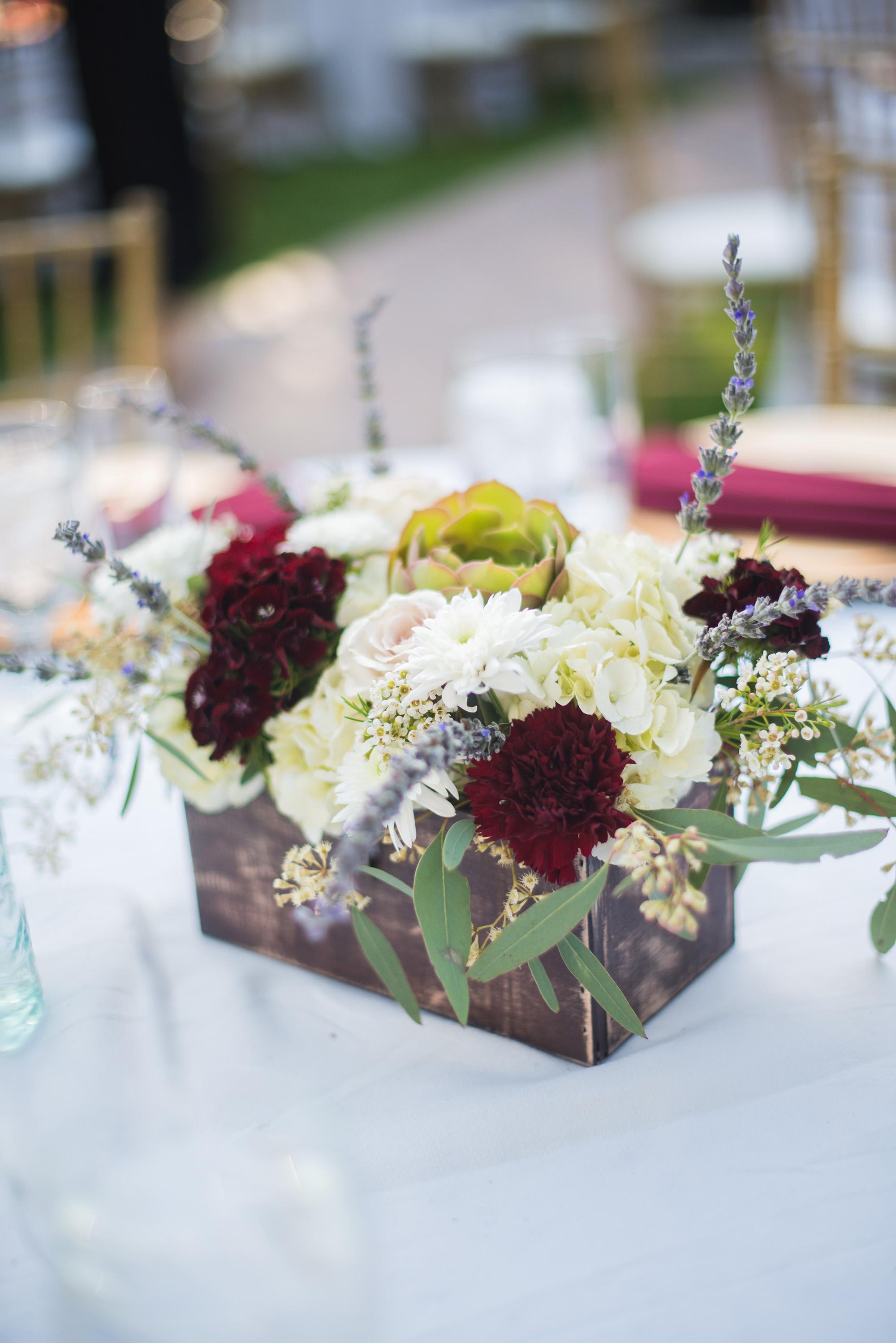 associate-photographer-christmas-house-wedding-carrie-vines-0148.jpg