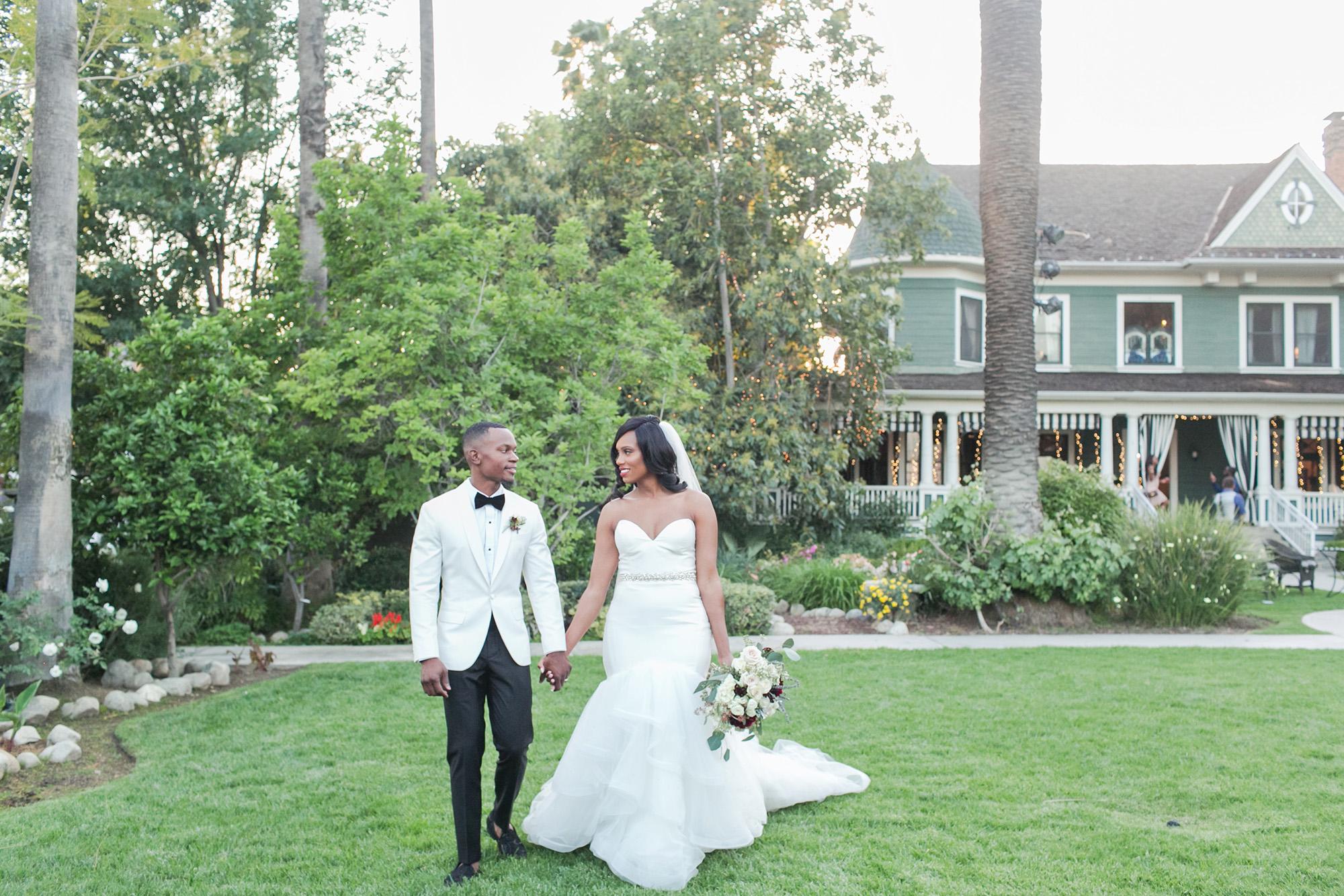associate-photographer-christmas-house-wedding-carrie-vines-0149.jpg