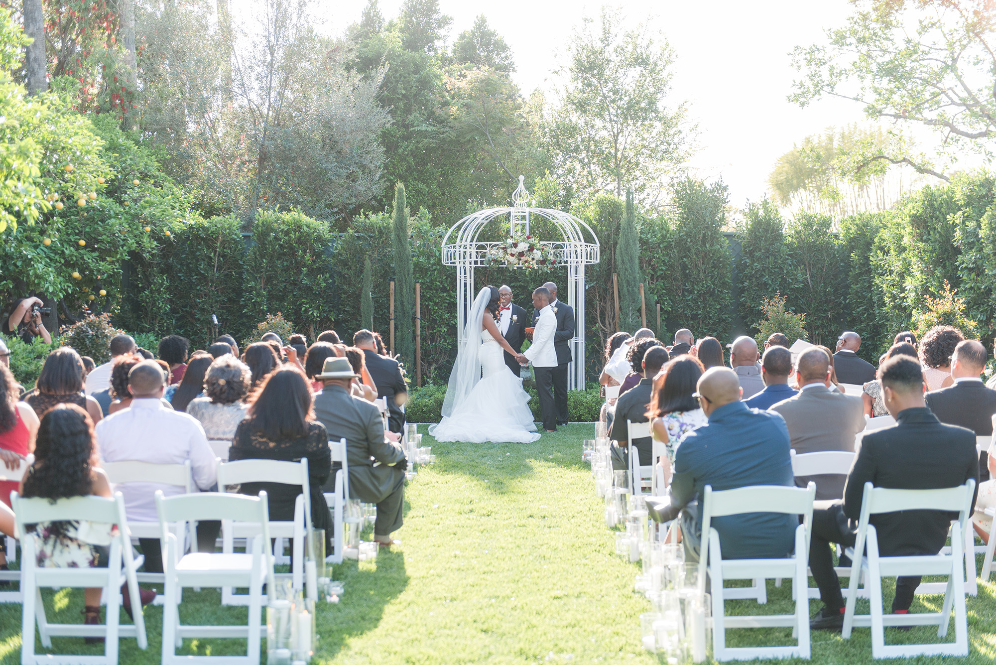 associate-photographer-christmas-house-wedding-carrie-vines-0154.jpg