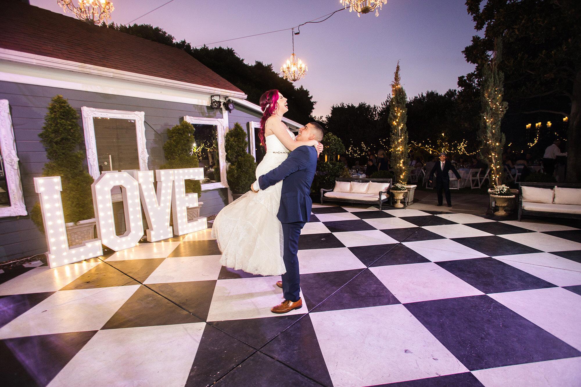 crazy-funchristmas-house-wedding-carrie-vines-013.jpg