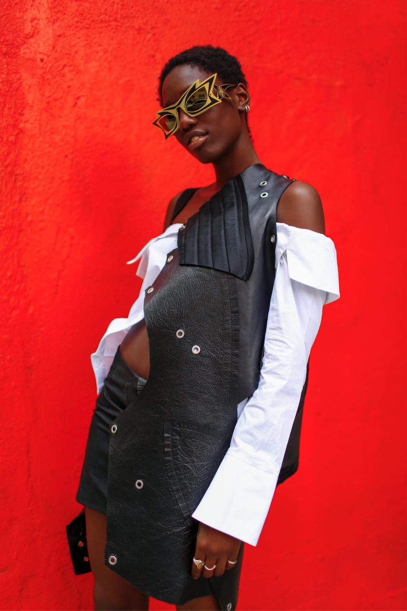 Eyewear: PARASITE EYEWEAR | Top: MIRIMALIST | Skirt: MALAIKA NEW YORK