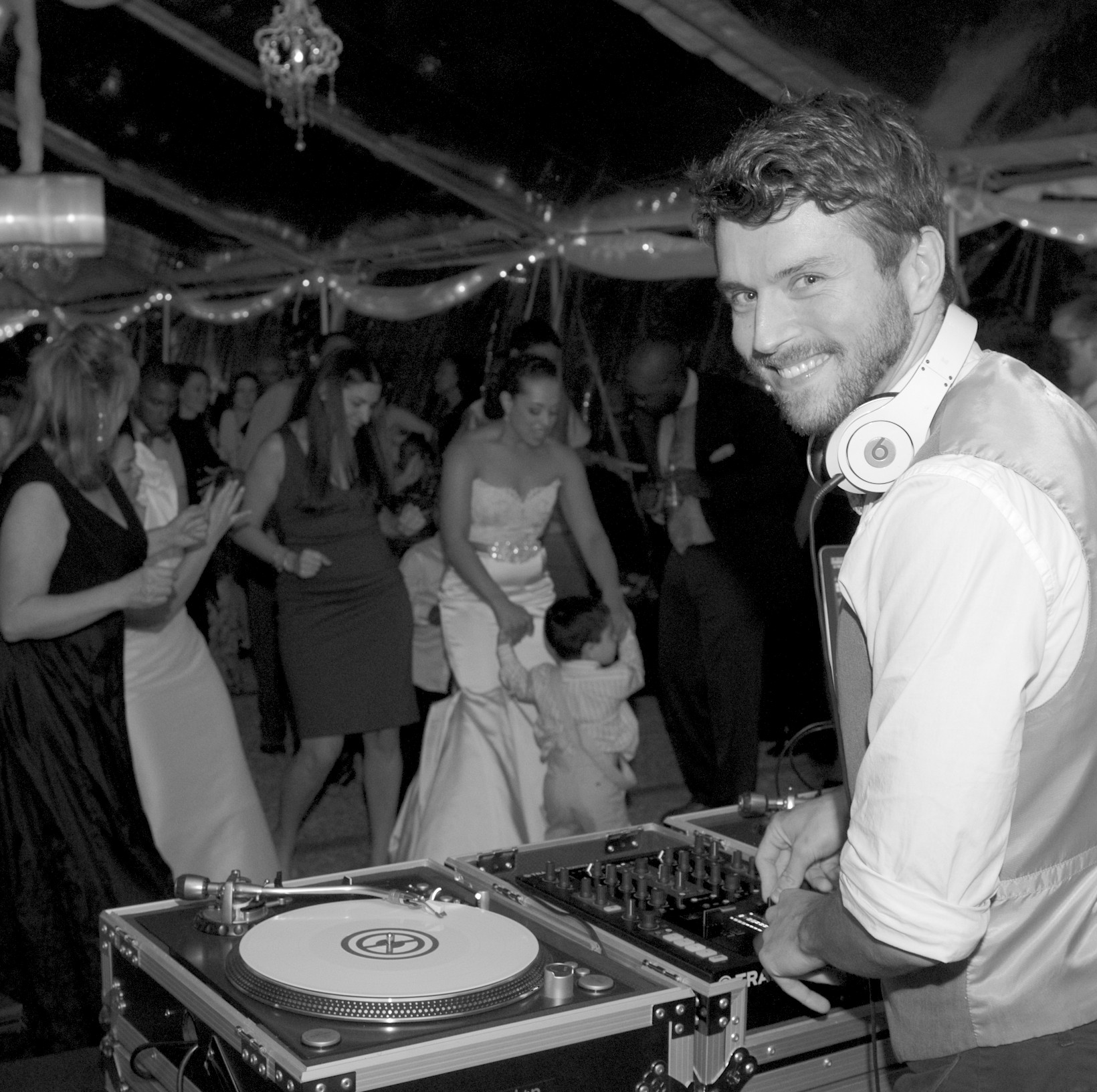 LUCAS LONDON - Marquee Open Format DJ. Event Host. Entrepreneur.