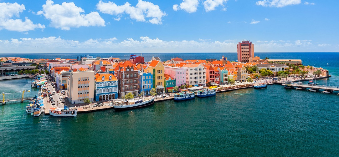 panoramic-view-of-willemstad-curacao.jpg