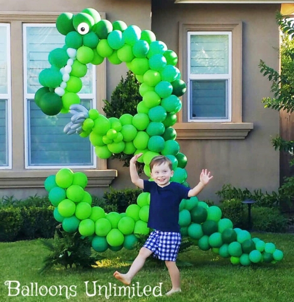 The cutest dinosaur balloon 3 you ever did see!