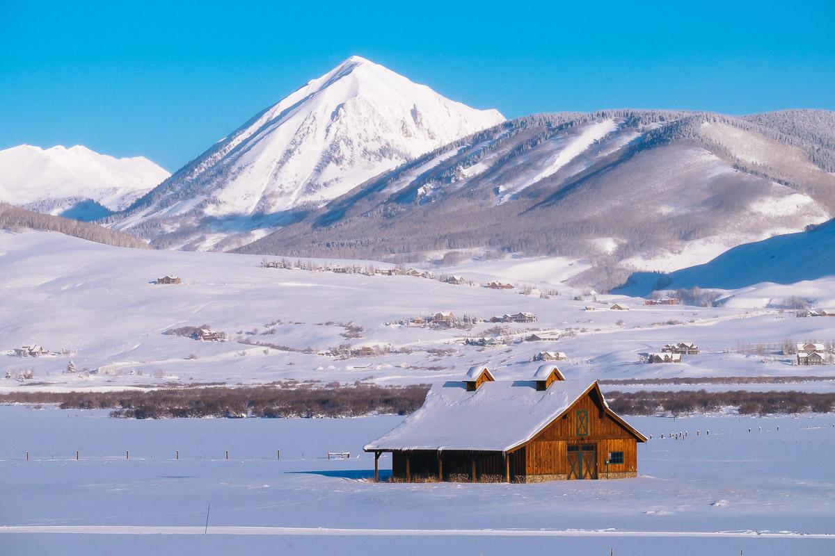 snowy-barn-in-crested-butte-colorado.jpg