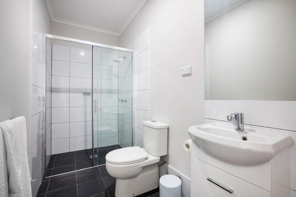caringbah-accommodation (2).jpg