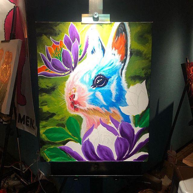As far as I got today live painting this little rabbit @sipsundown  #sipfest #rudyelectrikneedle #rabbit #azsprayartevolution #azsprayart #acrylicpainting #scottsdale #dtphx #prescott #prescottvalley #azartist #az #HappyEaster