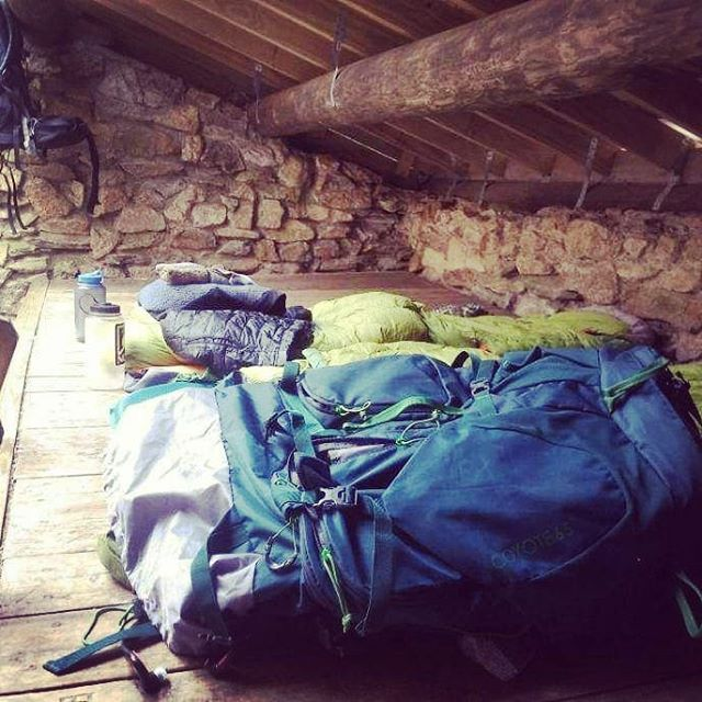 Bedding down in a Smoky Mountain trail shelter! #greatsmokymountains #mountainhut #adventure #backcountry #trailadventure #appalachiantrail #sleepingbag #morningsun #cabininthewoods #topoftheworld #kelty #keltybuilt #lifeofadventure #backpackingadventures #sorelegs #intothewild #appalachians #nationalparks #wilderness #americanwildtrekking #sweetdreams