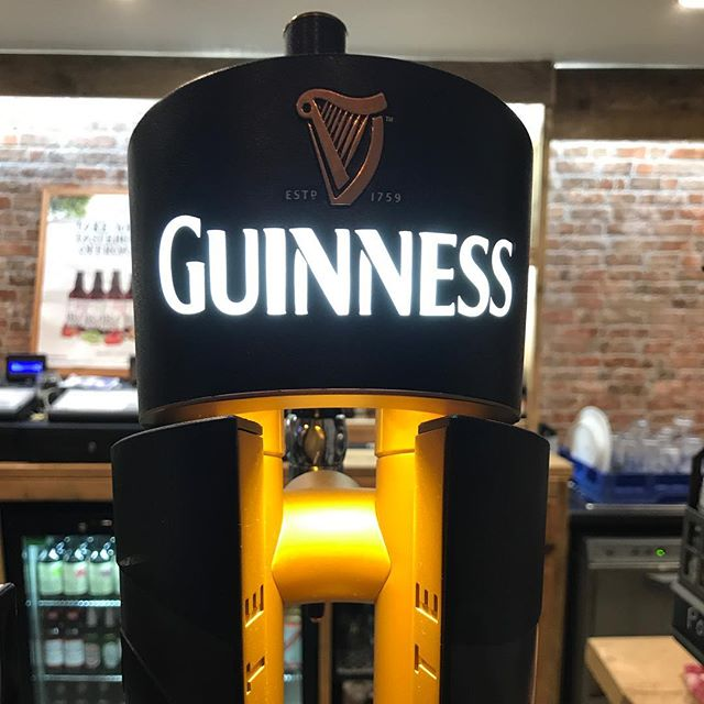 Celebrate #stpatricksday at the Old School House with some of the good stuff! 🇮🇪☘️🎩 #guinness #ireland #stpatricks #green #sundayfunday #irish #guinnessbeer #dublin #barnsleyisbrill