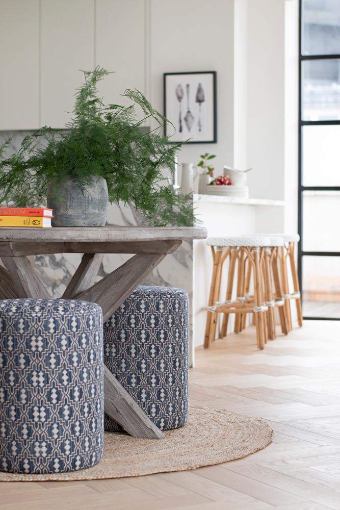 th2designs_St-James_round-table_1.jpg