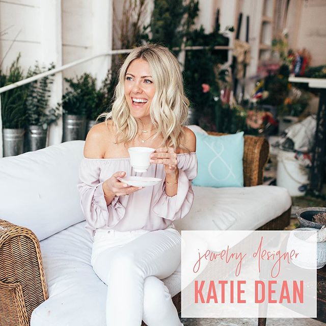 I sat down with the cutest @katiedeanjewelry to chat all things gorgeous, how her first pieces were worn by @kyliejenner + @kendalljenner, how social media has played a role in her life and even what jewelry she'll be wearing on her upcoming wedding day! {Link to listen in profile}