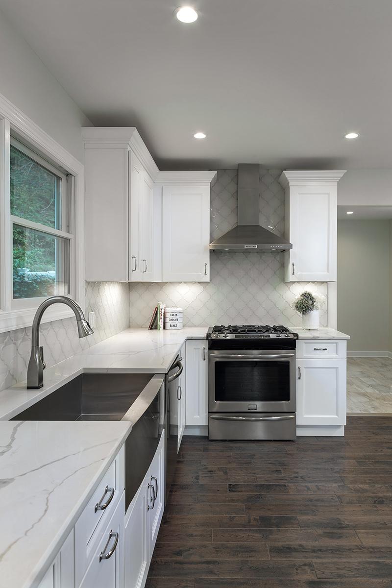 Kitchen- Oven.jpg
