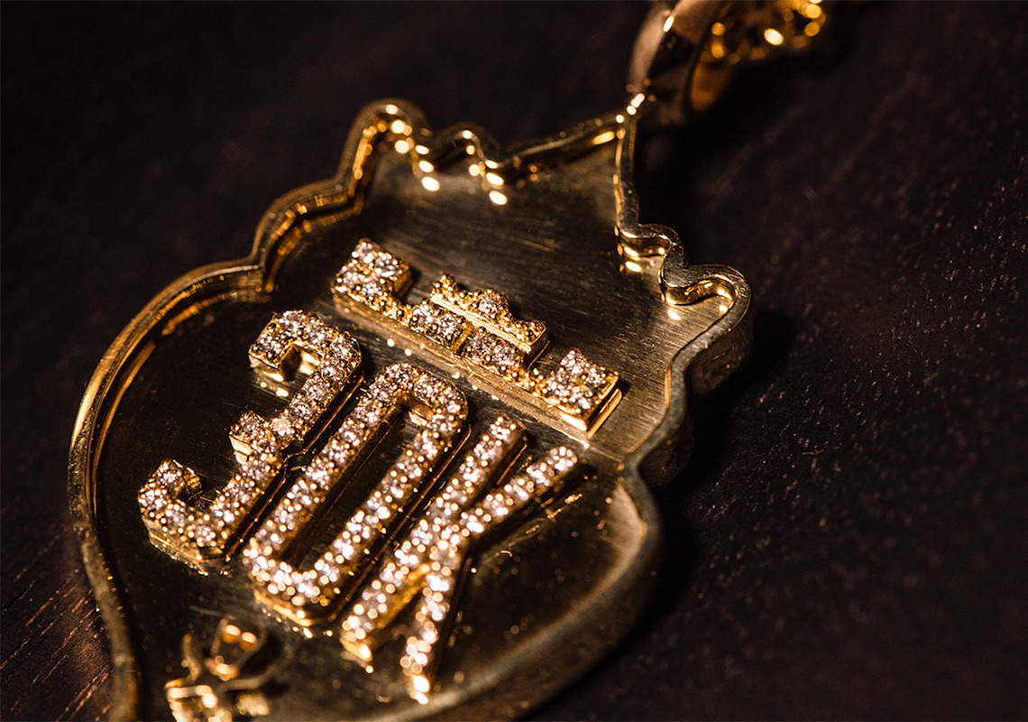 lebron 15 gold