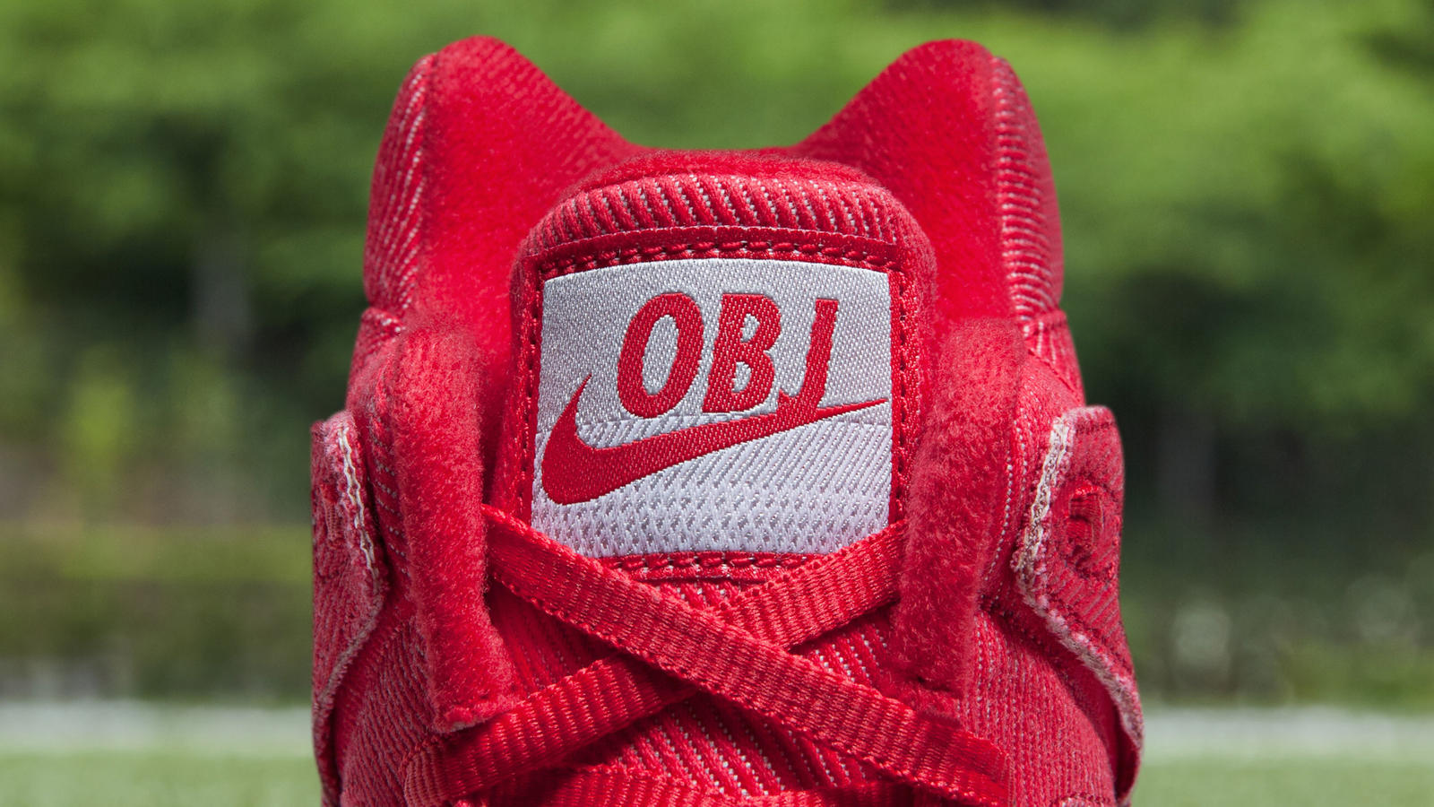 FeaturedFootwear_OBJ_PreGame_2018-181_re_hd_1600.jpg